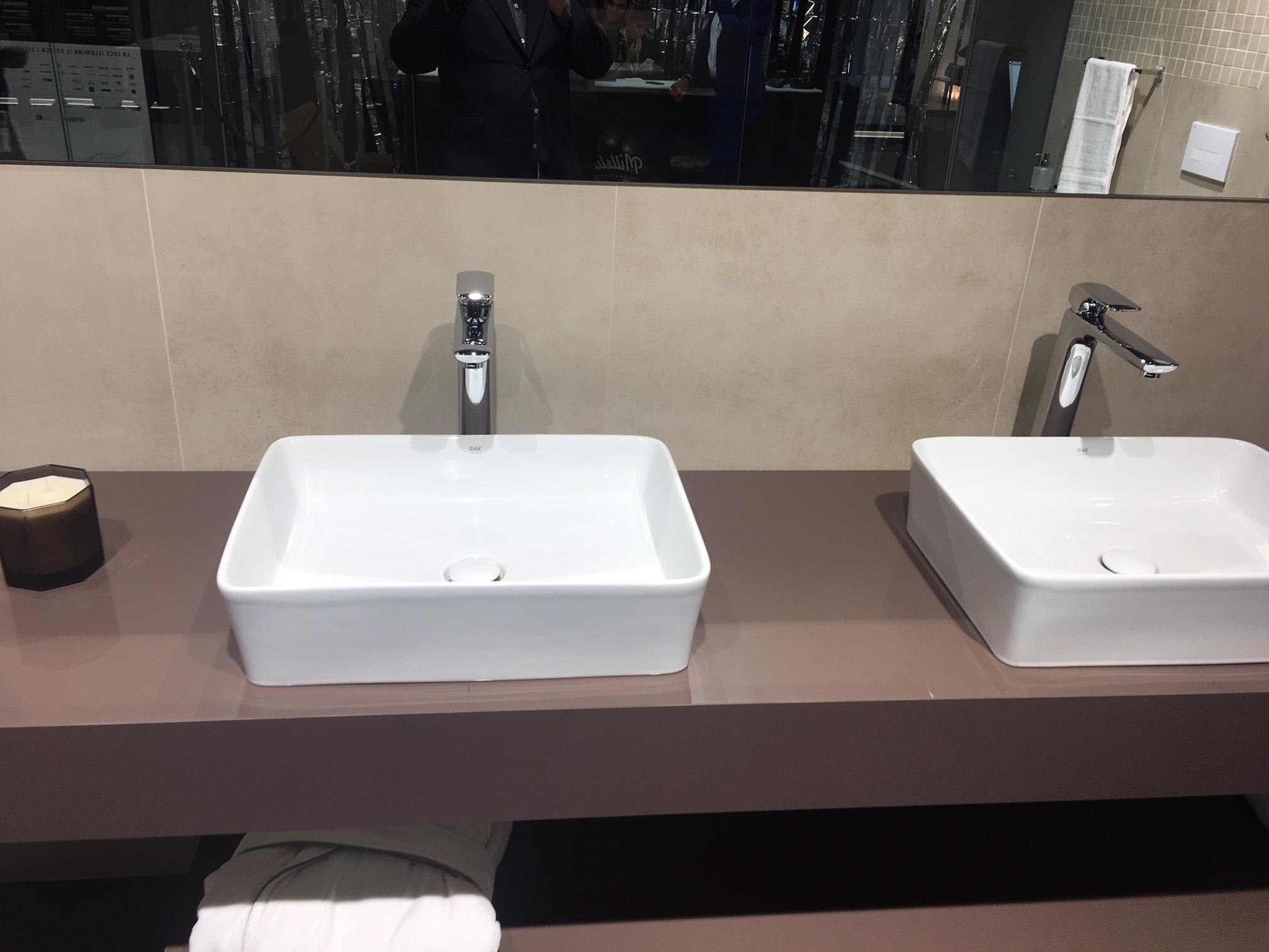 Lavabos de Porcelana sobreencimera en Barcelona