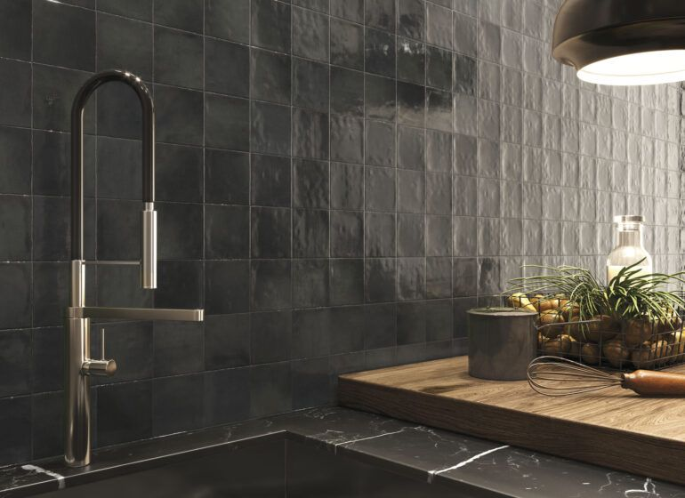 Cómo limpiar azulejos de la cocina