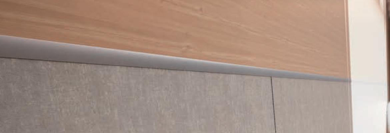 Euroshrink Profile-Transitions d'aluminium et d'acier inoxydable.