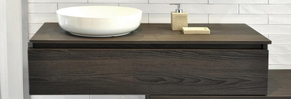 El mueble de baño Zeta de Sdz Bany tiene un formato de encimera que lo hace ideal para su baño